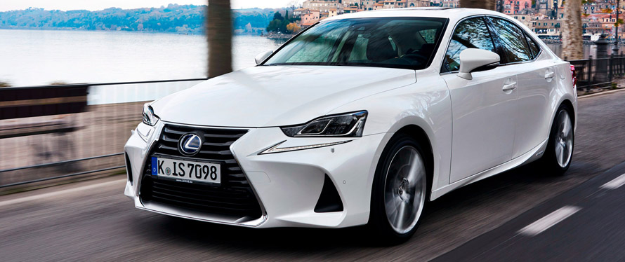 Фотография Lexus IS 2019 года
